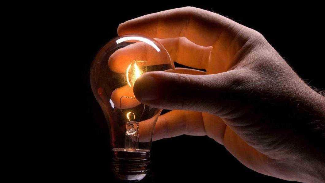 Opt localități fără energie electrică mâine
