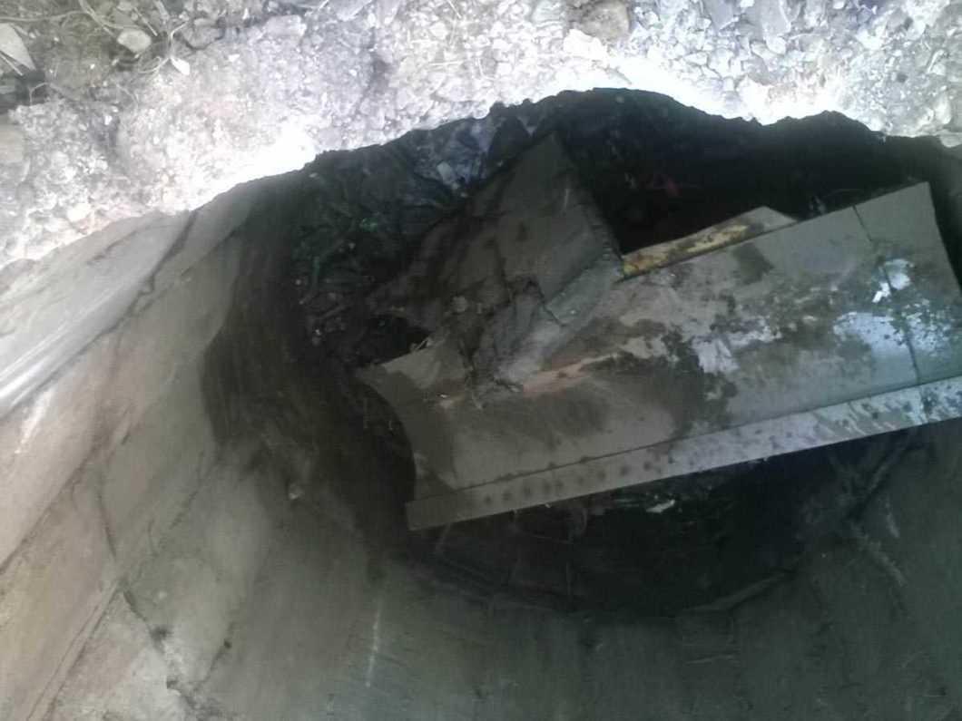 buldozer in groapa 1
