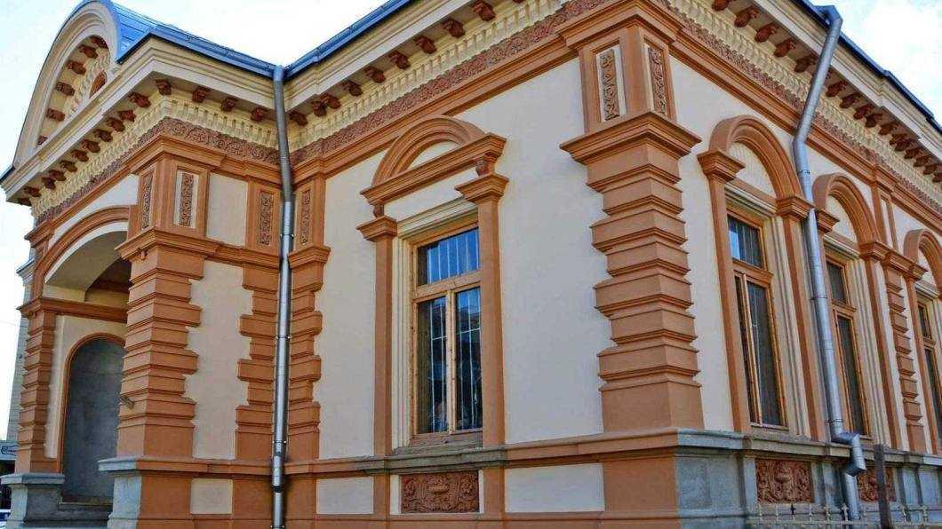 36. Biblioteca 1