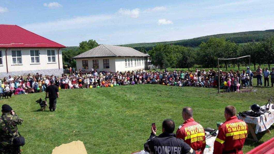 Peste 400 de copii au petrecut la Școala Iucșa