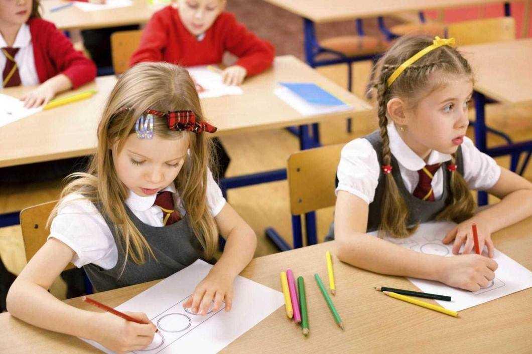 Peste 3500 de copii au fost înscriși în clasa pregătitoare în Neamț pentru anul școlar 2020-2021