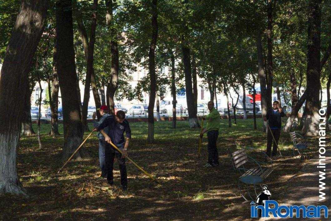 Franciscani curatenie parc 3