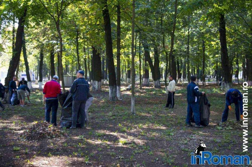 Franciscani curatenie parc 4