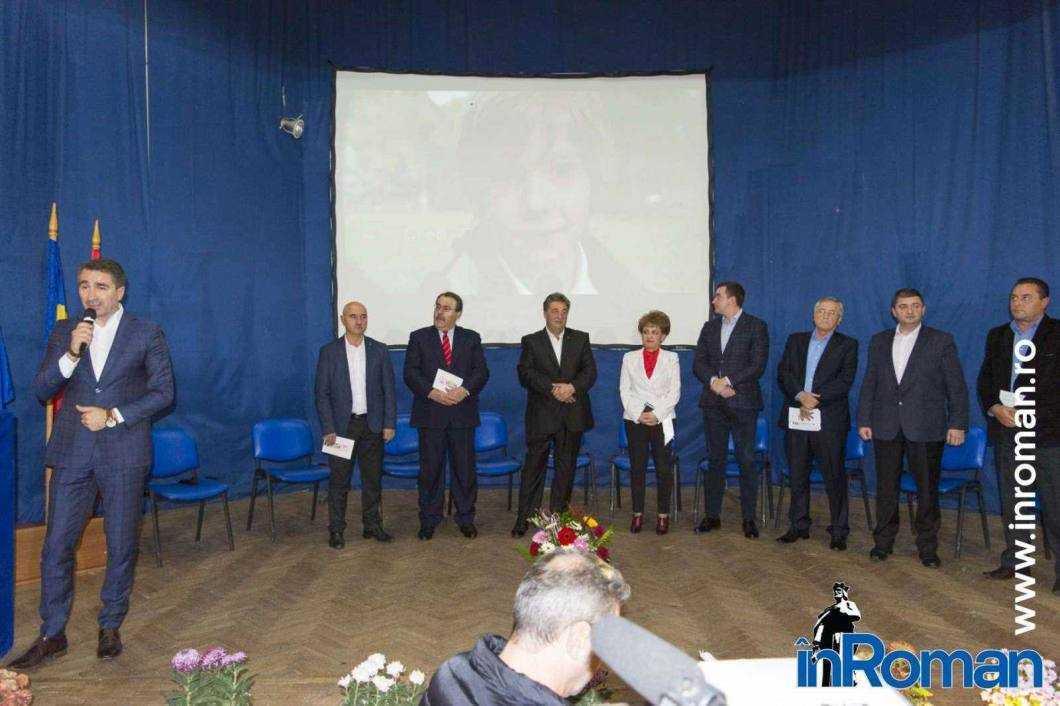Candidații PSD pentru Parlament au venit la Roman