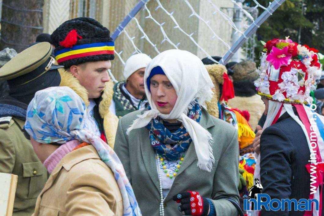 """Foto: Zeci de urători în oraș. Festivalul de Datini, """"sabotat"""" de E.ON 44"""
