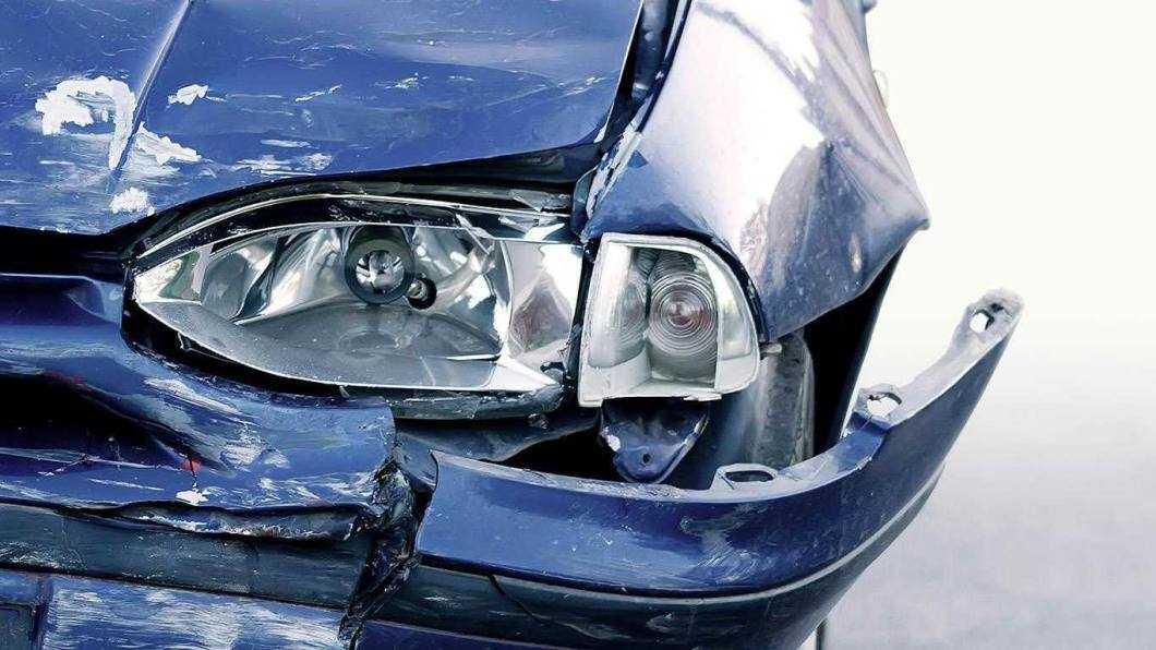 Impact între patru autovehicule, cu tot atâtea victime