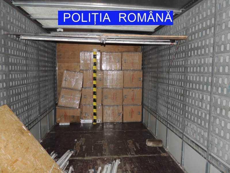 Percheziții și arestări într-un dosar de contrabandă cu țigări