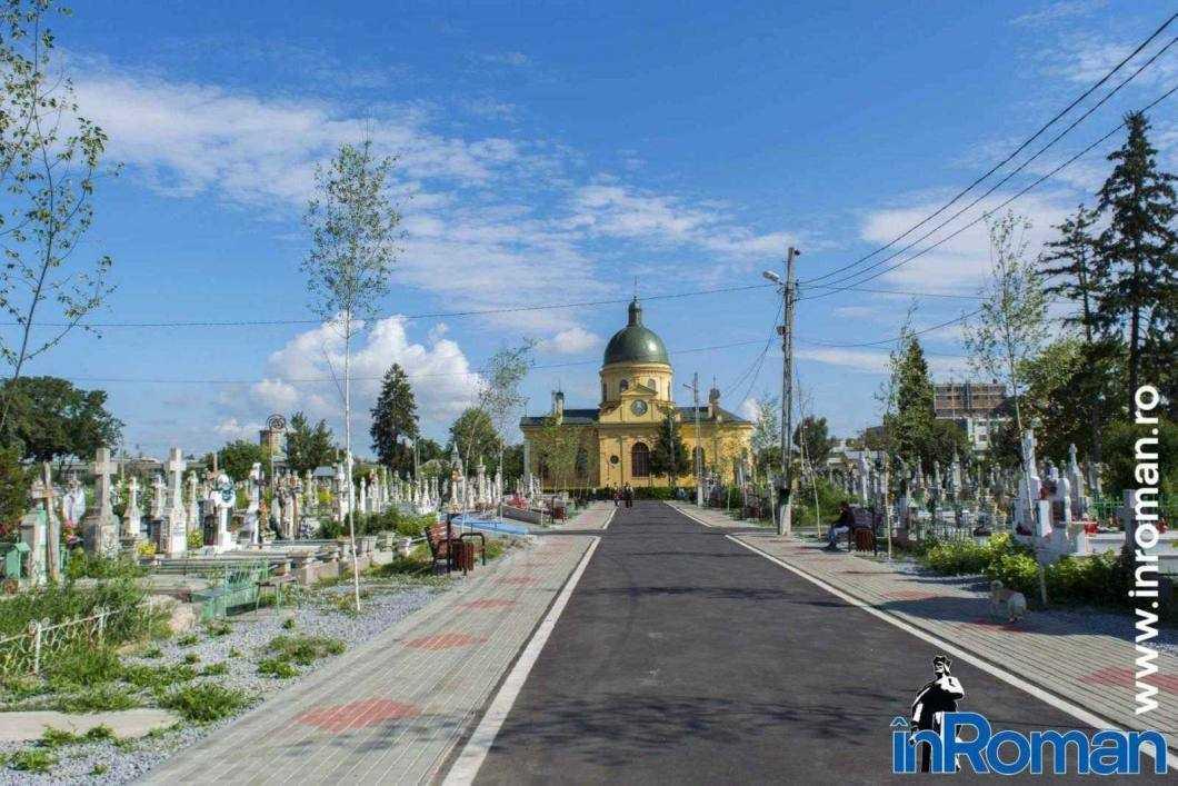 Biserica_cimitir_Roman_3