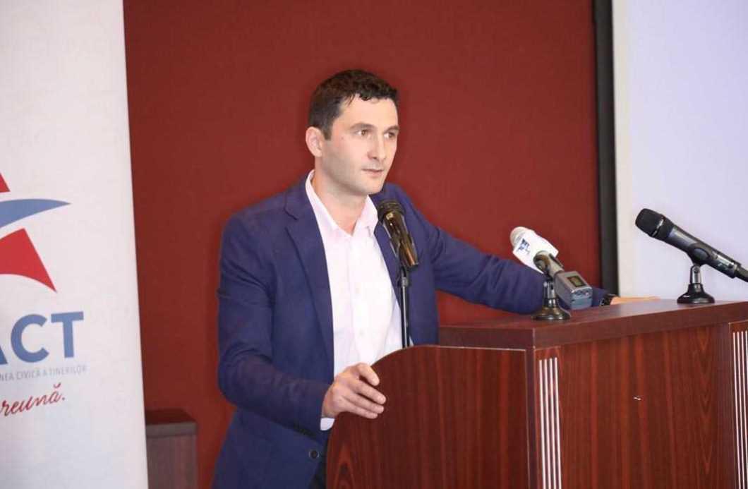 Andrei Carabelea, membru PACT Neamț, cunoscut pentru implicarea sa în zona ONG-urilor