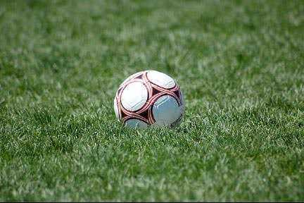 De luni se redeschide terenul de minifotbal de la Sala Sporturilor din Roman