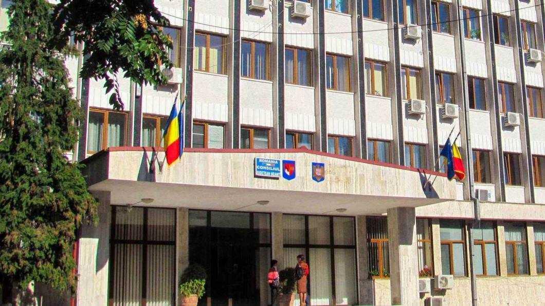 Curtea de Conturi acuză multe cheltuieli supraevaluate la CJ Neamț