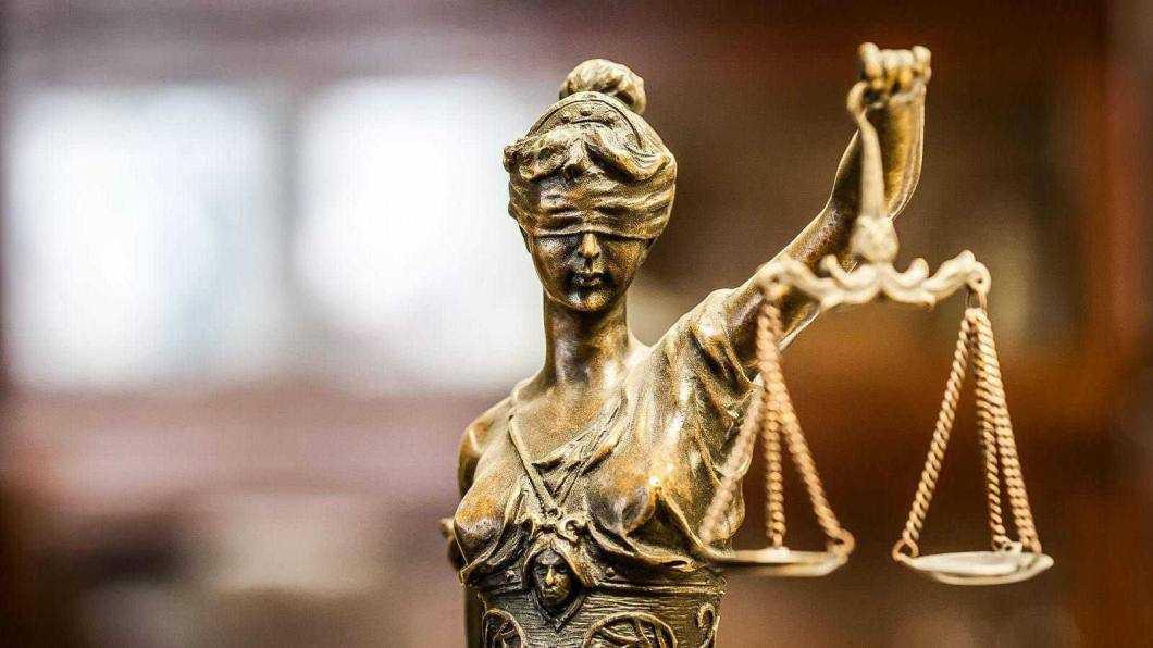 9 luni de închisoare pentru furtul unui pachet de cafea