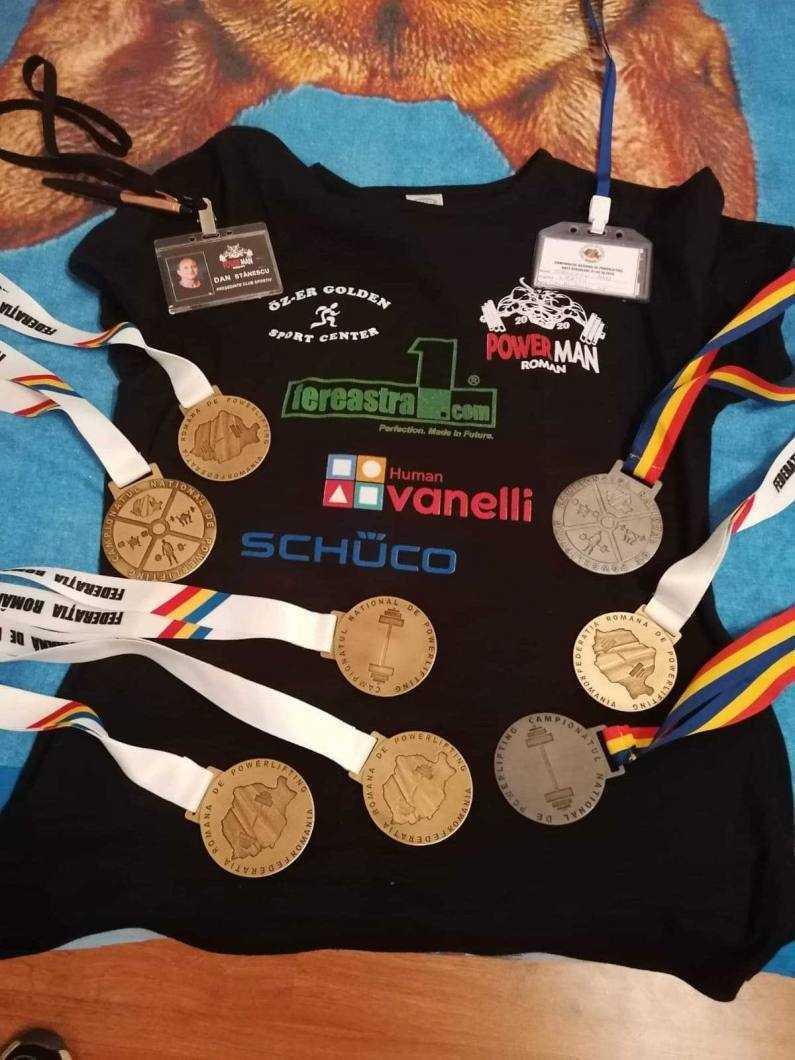 Power Man Roman medalii
