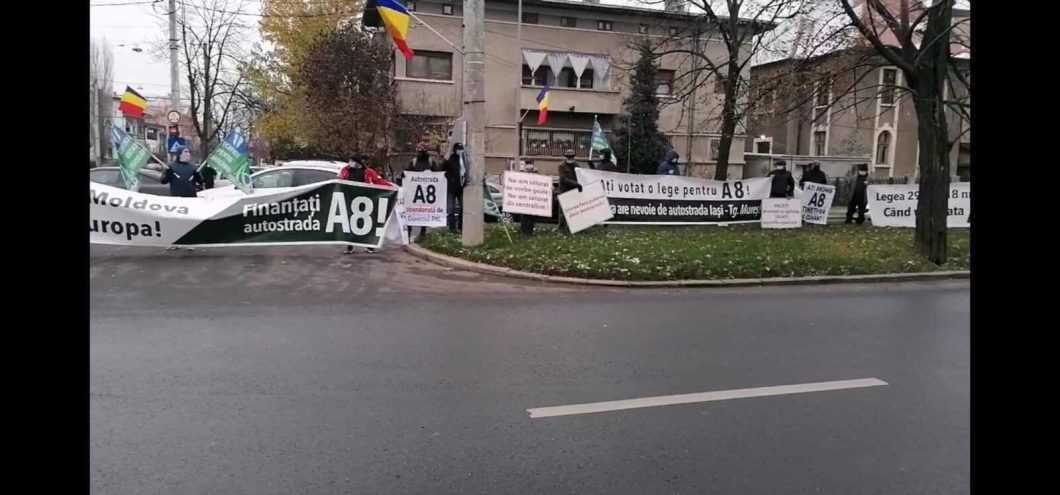 protest pentru A8 2